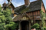 Отель Langshott Manor - A Small Luxury Hotel