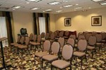 Отель Hampton Inn & Suites Alexandria