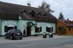 Гостевой дом Penzion a restaurace Myslivna