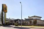 Отель Super 8 Motel - Canoga Park