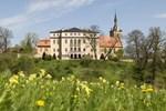 Отель Schloss Ettersburg
