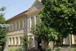 Отель Hotel Zur Alten Schule