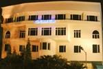 Отель The Central Court Hotel