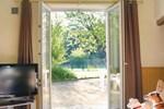 Апартаменты Holiday Home Paizay Naudouin Rue Des Planchettes