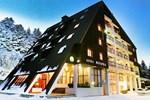 Отель Hotel Molika
