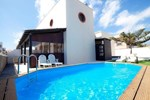 Апартаменты Holiday Home Medano Beach II