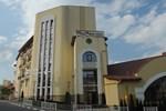Отель Тустань