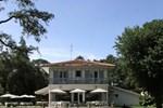 Отель Villa de l'Etang Blanc