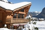 Chalet La Lune (The Alpine Generation)