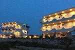 Отель Two Mermaids Hotel