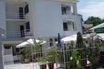 Kristian Family Hotel