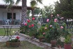 Апартаменты Rose Garden Holiday Home