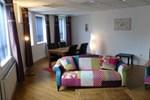 Апартаменты Strand House Suites