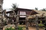 Отель Khoeun Sreymom and Khlot Sopheng Homestay