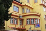 Отель Yellow Rose Pension