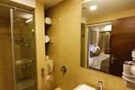 Отель Hotel La Capitol