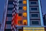 Отель Gold Yadanar Hotel