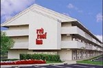 Отель Red Roof Inn Toledo - University