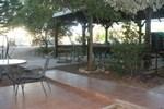 Отель Olive Tree Cabins