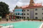 Отель 7 Makara Hotel