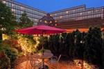 Отель LaGuardia Plaza Hotel