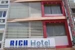 Rich Hotel