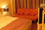 Отель Kunming Lang Mei Youth Hotel