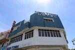 Отель New Town Hotel Klang