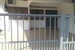 Отель Fazi Budget Homestay Tampin