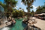 Отель Club Crocodile Airlie Beach
