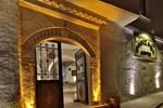Отель Hanzade Suites