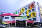 Отель Montana Hotel Syariah
