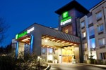Отель Holiday Inn Express-Langley