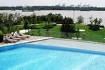 180 Degree Panoramic River View Apartment