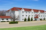 Отель Ramada Limited And Suites Bloomington