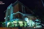 Отель Lakshmi Hotel