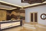 Отель Syariah Hotel Solo