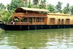 Отель Indraprastham Houseboats