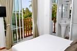 Отель Airport Comfort Inn Maldives