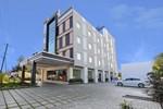 Отель Poppys Anukula Residency