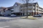 Отель Lodge America of Greensboro