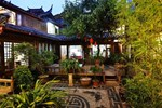 Отель Lijiang Tea-Horse Road Boutique Hostel