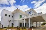 Отель Microtel by Wyndham South Forbes