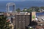 Отель Holiday Inn & Suites Duluth-Downtown