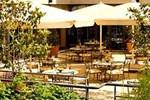 Отель Courtyard Paris Neuilly
