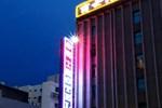Отель Benz Hotel