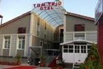 Отель Tum Trio Hotel