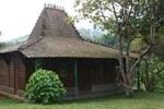 Отель Pondok Cilengkrang Private Villa