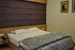 Отель Hotel Athidi Grand