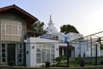Villa Baywatch, Rumassala